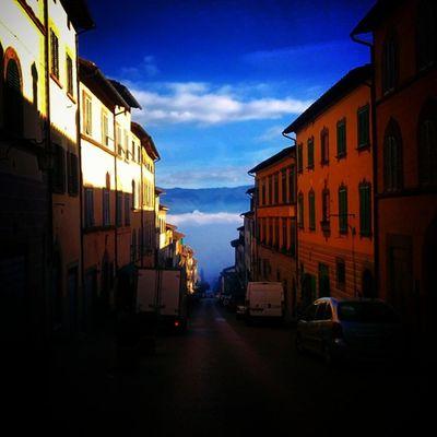 Anghiari ... Sansepolcro nella nebbia Anghiari Tuscany Italy Visitarezzo