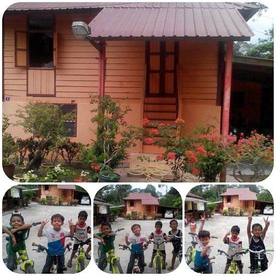 My lovely kampung. Lalola Kgculek Nephew  GuaTempurung happy
