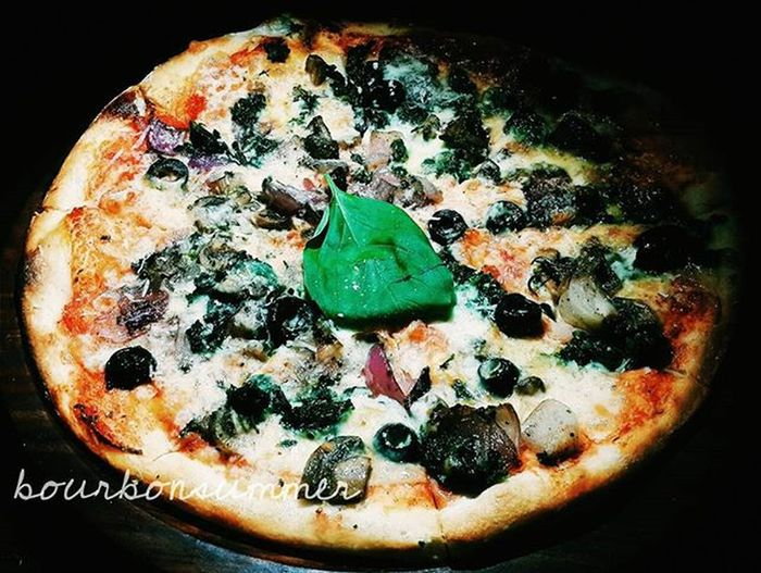 """It's a pizza mania out here..!!"" Foodieforlife Foodie Foodporn Pizza Pizzaporn Foodforfoodies Instafood Foodshare Foodgawker Foodforthesoul Food Colors Glutton Gluttony Foodbeast Foodblogger Lifeofafoodie Foodstagram Foodspotting Foodstyling Foodphotography Foodpic Bangalorefood Foodplating Pizzalover instalike instafood instafollow"