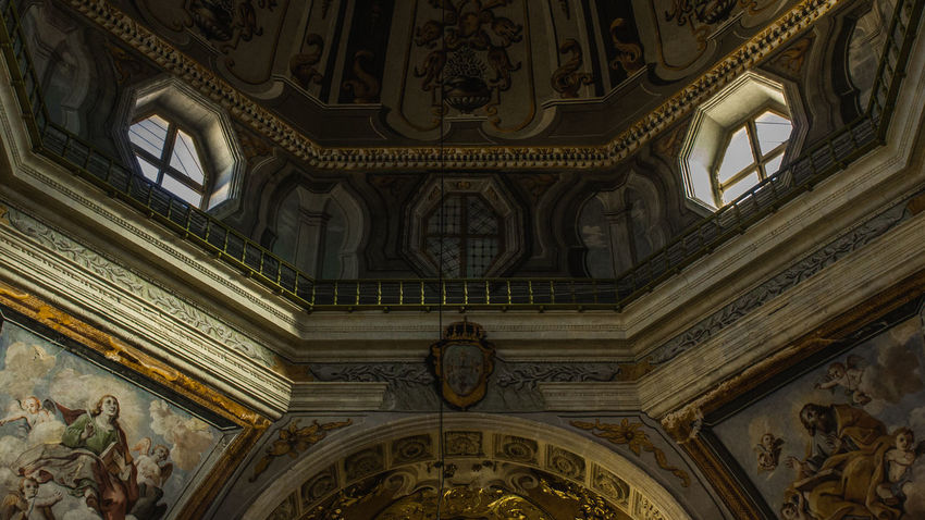 Church's details. Canon Canon1200d Canon18-55mmSTM Canonphotography Canonphoto Architecture Built Structure Low Angle View Cultures History Religion Indoors  Architecture And Art Structure Sculpture Italy EyeEm Best Shots EyeEm Cagliari, Sardinia Church Contrast Architecture_collection Architecture 18-55mm Illuminations The Architect - 2017 EyeEm Awards