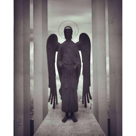 омск паркпобеды ангел хранитель скульптура чернобелое инфракрасный omsk inomsk openomsk angel defender statue blackandwhite infrared