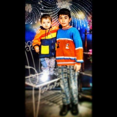 Eskilerden Bir Kare Cocukluk masumiyet mazi kardes 90'lar nostaji istanbul malatya childhood child me brother like life dream