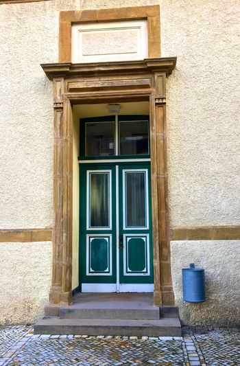 🚪 Building Exterior Architecture Built Structure No People Outdoors House Day Close-up Tür