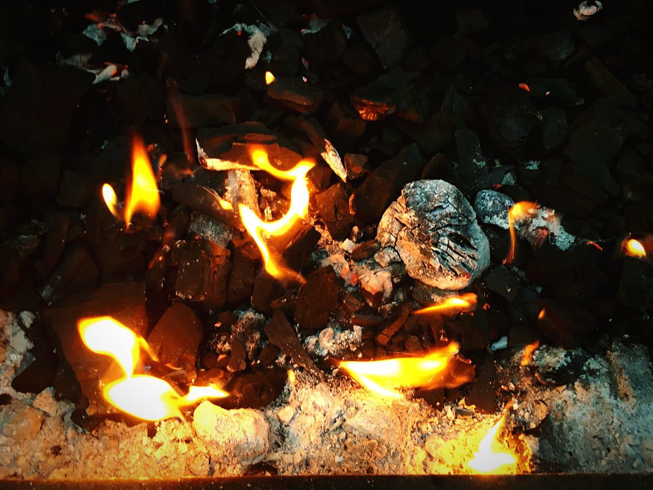flame, burning, heat - temperature, night, no people, outdoors, bonfire, fire pit, nature, close-up