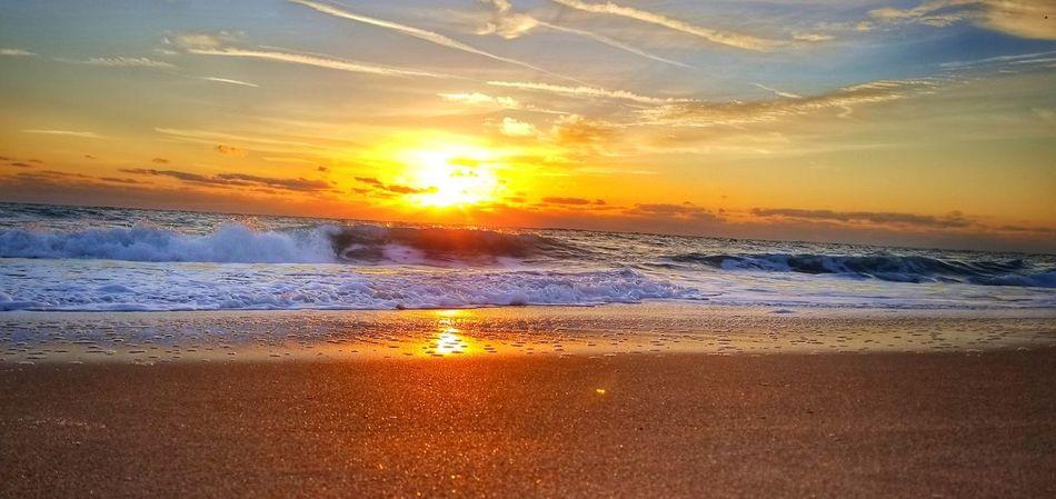 One sunny morning... 🌞 EyeEm Best Shots EyeEmNewHere Beach Sunrise Morning Wave Water Sea Sunset Beach Sunlight Gold Colored Sun Sand Summer Low Tide Romantic Sky