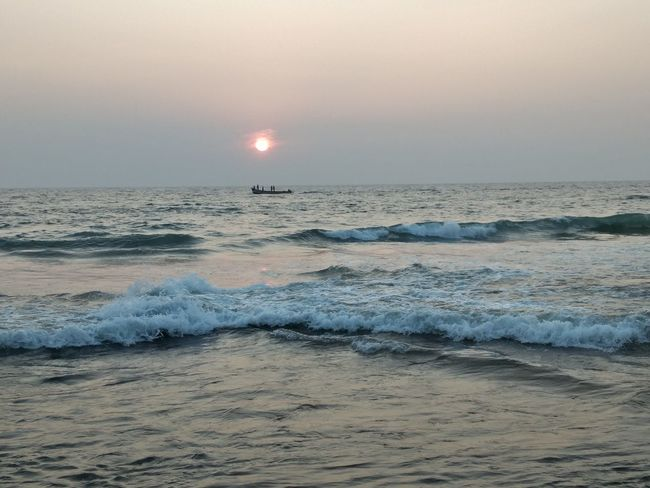 When the sun has set, no candle can replace it. #kerala Sea Beach Landscape Sunset Horizon Over Water Beauty In Nature Sky Dramatic Sky Majestic Nature Sun Tranquility Vacations Scenics Outdoors Tranquil Scene Awe Environment Idyllic Travel Destinations