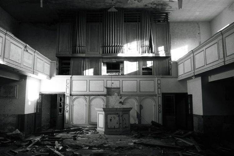 Built Structure Destruction Indoors  Abandoned abandoned building Decaying Decay Spooky Atmosphere Spooky Gothic Beauty  Gothic Death church Creepy Blackandwhite Ilfordfiom