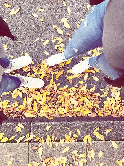 Herbst🍁 Shoe Standing Real People Lifestyles Brother & Sister Outside Photography Feeyilmazphotography Colorofnature