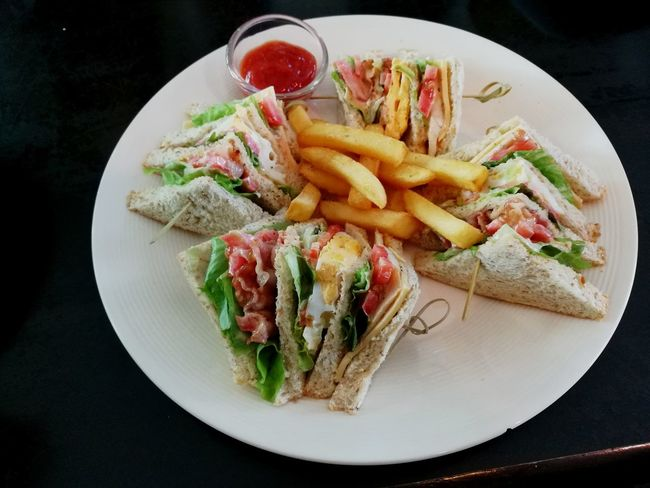Visual Feast Food French Fries Lunchtime Fast Food Food And Drink Delicious Food And Drink Delicious ♡ Lunch! Club Sandwich Sandwhich Sandwiches SandwizInBKK SandwizInTH Sandwich Time Sandwichphoto Sandwich Sandwitch Sandwichday Lunch Time Lunch Time! Lunch Break Lunch Food State