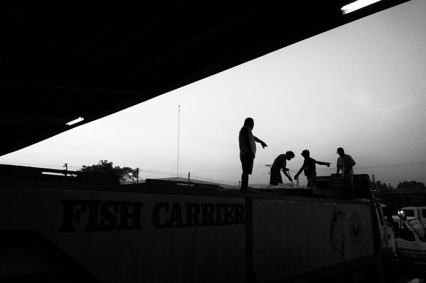 Fujifilm X-Pro2 Xf18mmf2.0 March 2016. Bulua Fish Landing, CDO. Street Photography Eyeem Philippines Fujifilm X-pro2 XF18mmF2.0 Fujifilm_xseries Silhouette Black And White Photography The Street Photographer - 2016 EyeEm Awards Monochrome Photography