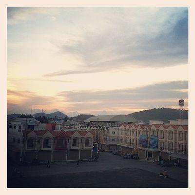 บรรยากาศยามเย็น ณ ทะเลทองพลาซ่า บ่อวิน ชลบุรี