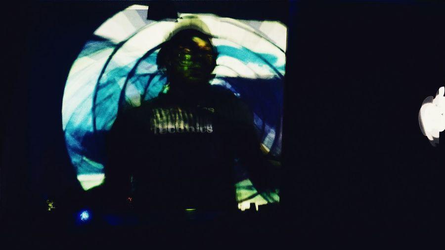 En la nave . Spaceship music. Nightlife Nightanimals Trancemusic Nightout Creativitybeforegravity Vscocam Vsconight Bolivia Visitbolivia