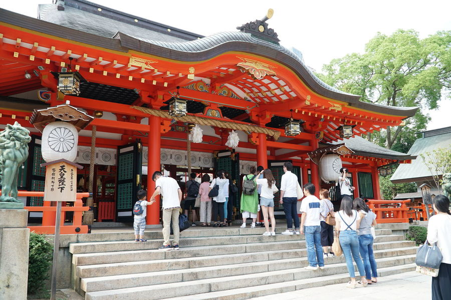 Architecture Religion Built Structure Building Exterior Place Of Worship Ancient Spirituality Day Outdoors Travel Destinations People 三宮 Japanese Temple Japanese Culture Japanese Traditional Lineup Japanese Shrine Traveling Architecture 日本 神社 日本の神社 生田神社 Ikuta Shrine Sannomiya