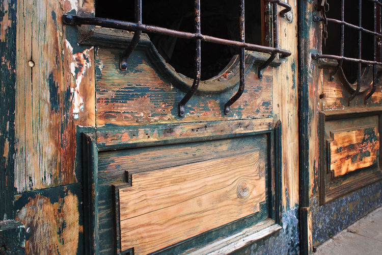 Close-up Day Door Eintrance Green Color No People Old Paint Outdoors Security Wood - Material