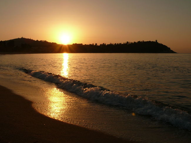 Beauty In Nature Calm Non-urban Scene Outdoors Reflection Scenics Sea Shore Sky Sun Sun Up Water