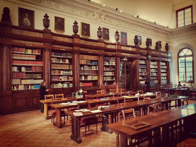 Bookshelf Library Book Antique Old-fashioned Indoors  History Architecture Lifestyles Education Wisdom Shelf No People Day