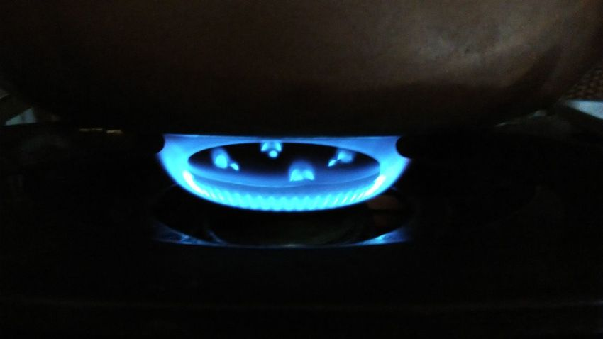 Blue Flame Heat - Temperature Burning Burner - Stove Top Stove Gas Stove Burner No People Dark Blue Gas Close-up Domestic Room Warmth In The Night Warmth On A Cold Day Warmth Feeling Cooking Cooking At Home