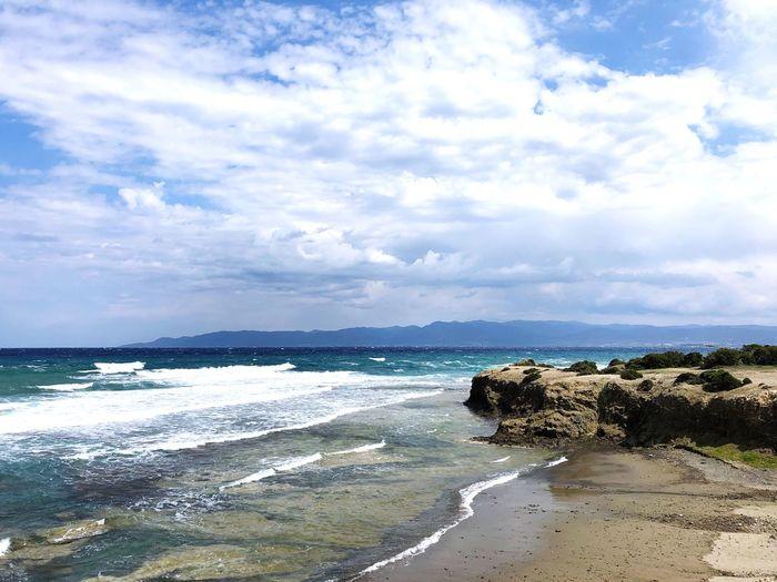 Akamas waves