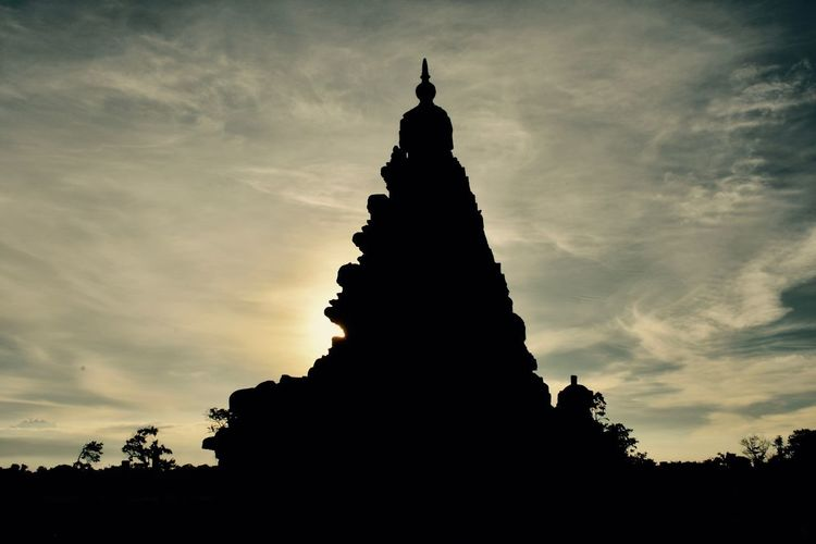 Sunset Architecture Outdoors Sky Sculpture No People History Cloud - Sky Day Landscape Travel Destinations Silhouette Mahabalipuram, India Indiaincredible Gorgeous View Monument Nikon D3300 Tranquility First Eyeem Photo
