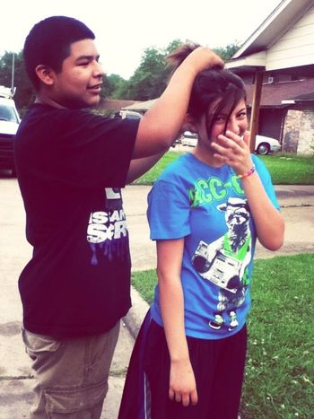 My babe trynna tie my hair up lol cx