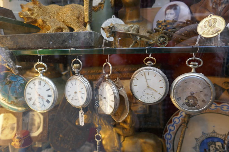 Pocket watches for sale in shop
