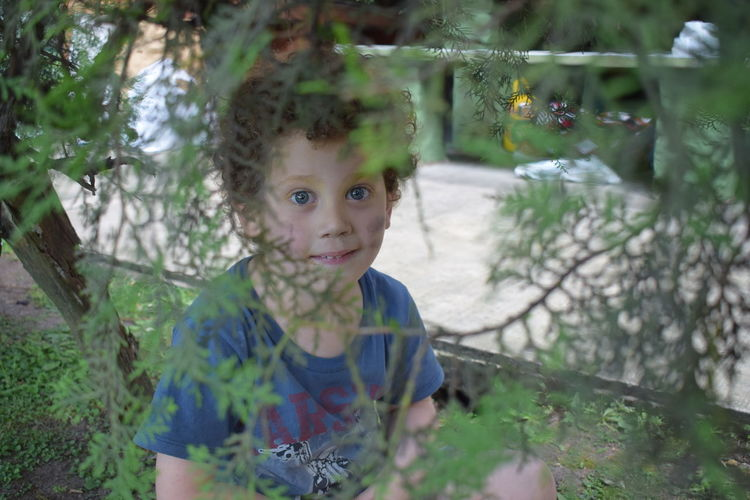 #Afternoon #Child #DiscoverNature #happybirthday  #iLoveHim #nikon #onlythechild #photography Day Looking At Camera One Person Real People Tree