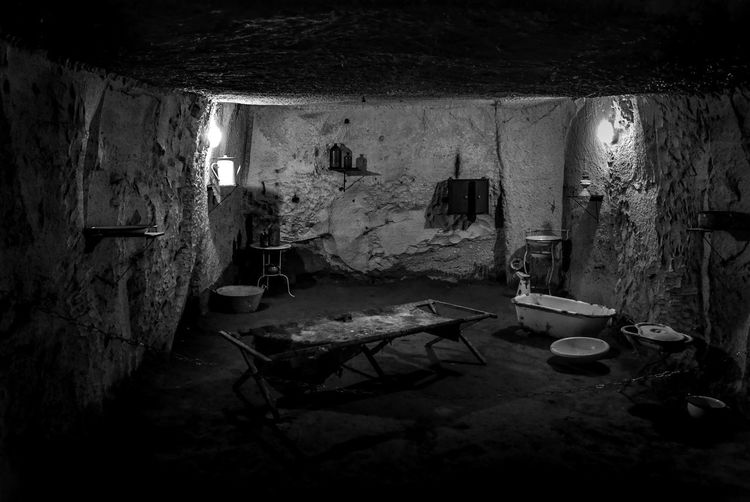 Napoli sotterranea EyeEm Selects EyeEm Best Shots Second World War War Underground Naples No People Built Structure Abandoned Architecture Indoors  Building Nature Wall - Building Feature Damaged Decline Deterioration Run-down House