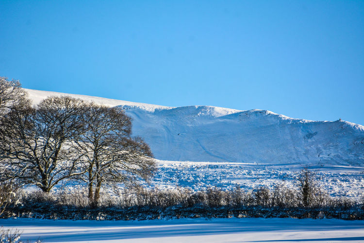Snow In the Brecon Beacons Brecon Beacons Brecon Beacons National Park Snow ❄ Brecon Breconbeacons Snow Snow Covered Snow Day Snowcapped Mountain