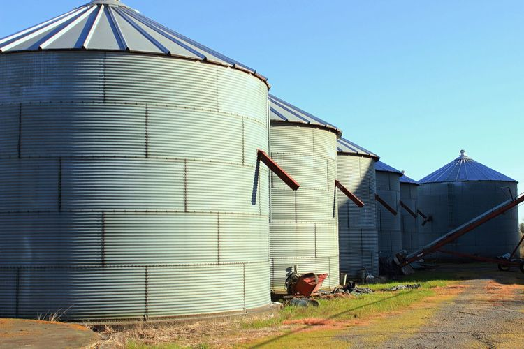Silos is Carlton Oregon. Built Structure Building Exterior Architecture Clear Sky No People Outdoors Day Blue Sky Silo Carlton Oregon