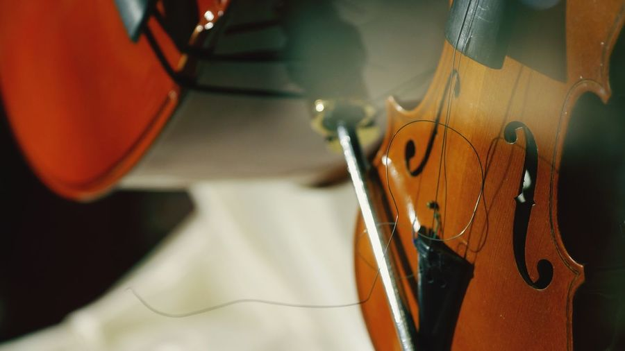 Indoors  Still Life Focus On Foreground No People Close-up Music High Angle View Musical Instrument Table String Instrument Arts Culture And Entertainment Wood - Material Art And Craft Musical Equipment Violin String Selective Focus Man Made Object