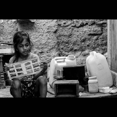 """THE PAST HAS NO POWER OVER THE PRESENT MOMENT"" Lovely_mumbai Repostindia Momentcapturerz Pw_mumbai MyMumbai BlackAndWhiteMumbai ig_bw ig_portrait IGCAPTURESCLUB"