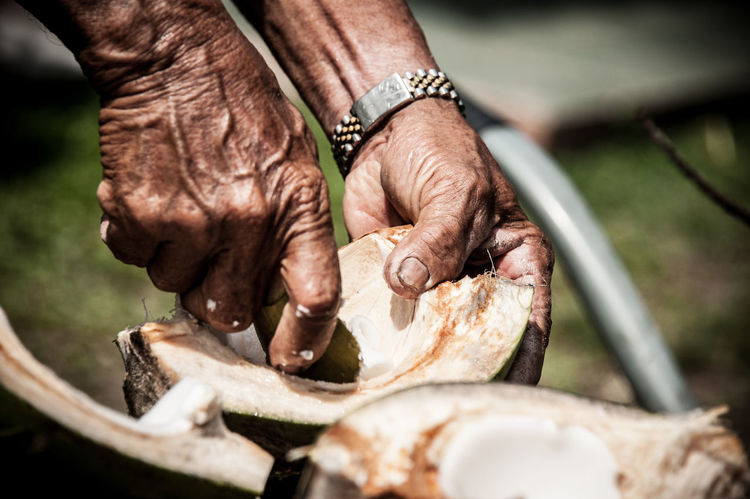 Cherating Coconut Detail East Coast EyeEm Malaysia Food And Drink Hands Hands At Work Kampung Kampung Life Malaysia Malaysian Working Eyeemfivesenses/taste EyeEmFiveSenses Taste