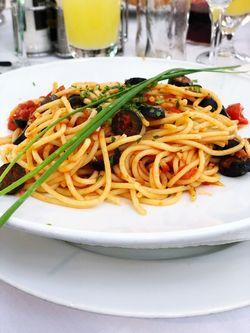 Das ist essen aus Italien Beliebt Profi Neu Beliebt Profi Neu Beliebt Food And Drink Food Plate Ready-to-eat Freshness Serving Size Table Italian Food French Fries Healthy Eating No People