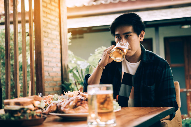 Drunk Beer Man Bar Alcohol Drink Pint Glass Nightclub Pub Table Young Teen Restaurant Hangover Unconscious Alone Recovery Problem Despair Sad Looking