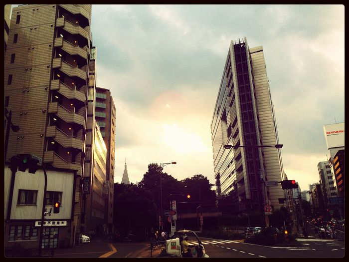 TokyoliVINg