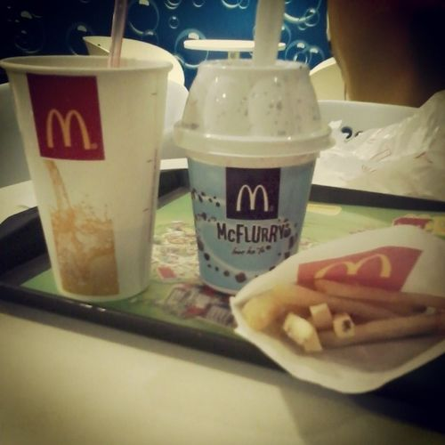McDo din pag may time McFlurry  Frenchfries McCoke