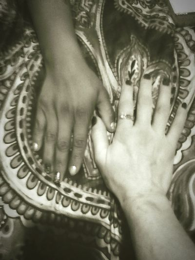Handinhand Togetherwecan Holdmyhand Womenphotographer women around the world Helping Hand HelpingPeople Higher Consciousness Reaching Out Togetherness Empoweringwomen Community Open Your Eyes Nothing Better Than A Woman Who Loves Confidence EmbracingBeauty Women Who Inspire You Woman People