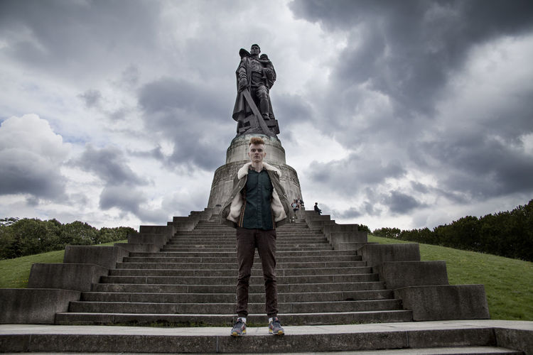 Andy in Berlin (Soviet War Memorial), September 2017 Berlin Fashion Man Nature Soviet War Memorial Standing Statue Streetwear Treptower Park Boy Fashion&love&beauty Front View Leasure Activity Male Male Model Mensfashion Menswear One Person Outdoor People Real People Sky Streetstyle Style Treptower Park War Memorial