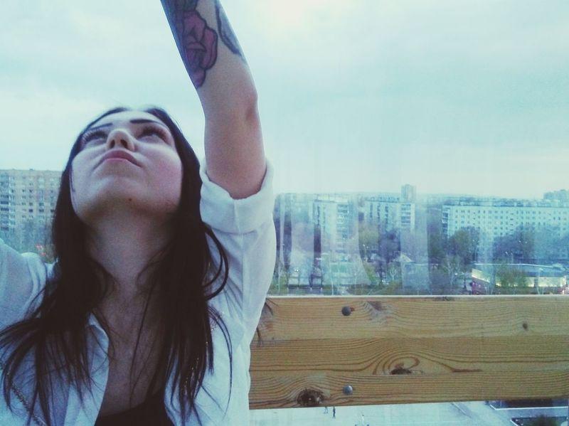 It's Me Black Hair ❤❤ Blackandwhite Tattooedgirls этоя  Тату 😎😎 тату девушка небо облака That's Me колесо_обозрения