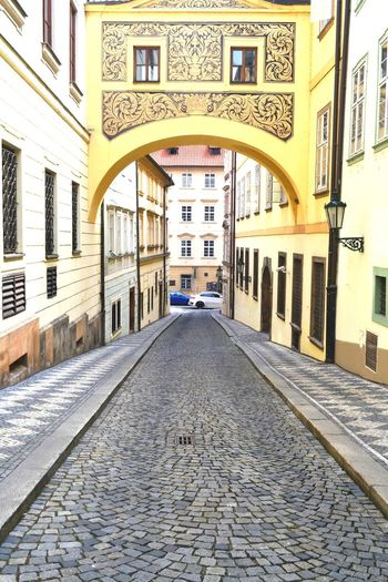 Arch Architecture Architettura Basalto Building Exterior Built Structure City City Day Europa Landmark Lifestyle No People Old Town Outdoors Outside Praga Prospettiva Repubblica Ceka Scena Urbana Skyline Street Streetphotography Travel Destinations Verticale