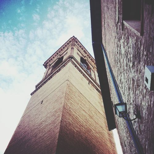 Torre campanaria. Angoli di città medievale. People Watching History Lesson Turism Marche,Italy♥