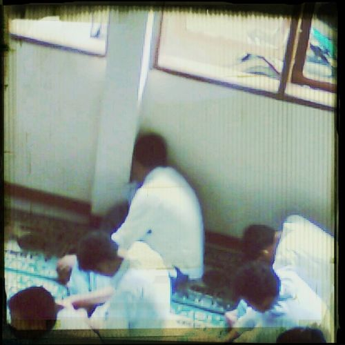 tidur saat shalat jumat. sleep at friday pray.