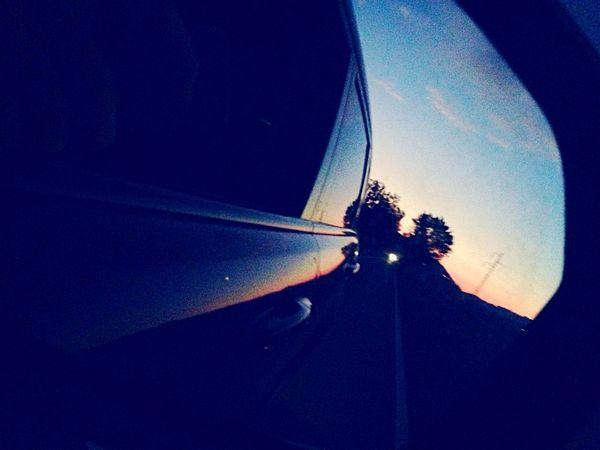 Accade quel che accade, anche il sole del giorno peggiore tramonta