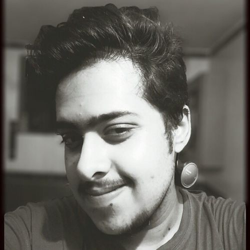 Everything looks so meaningful in Black & White , even those midnight selfies ;p NewPhone