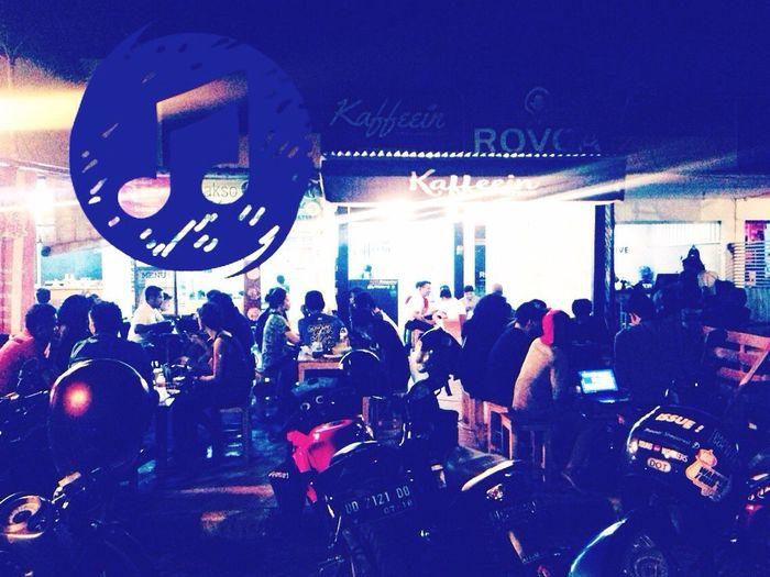 makin larut makin rame...@pasar segar RD1G Makassarcity Coffeetime☕