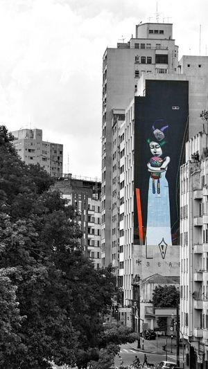 São Paulo, Brasil ELEVADO MINHOCÃO My Dramatic Look  My Dramatic Look  My Dramatic Look  Built Structure Cityscape Building Exterior Dramatic Eye Black And White Blackandwhitephotography Black & White Grafiti Art Architecture Outdoors City Life