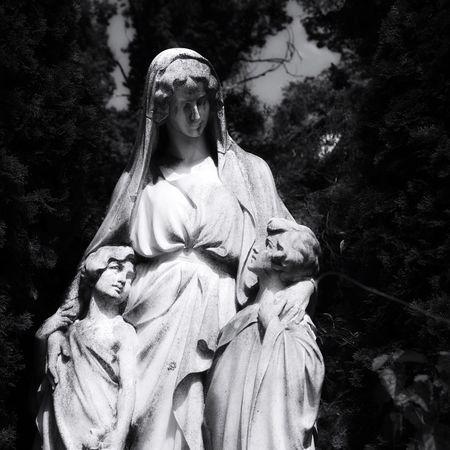 Vienna Zentralfriedhof Wien Family Mourn Sad Death Austria Children Mother Cemetery