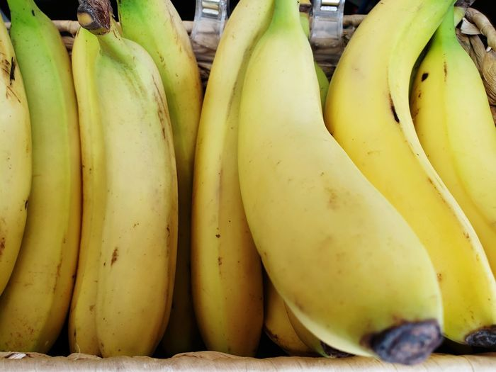 Bananas Selected For Premium Unripe Fruit Fruit Yellow Market Supermarket Banana Healthy Lifestyle Ripe Agriculture Vegetable For Sale