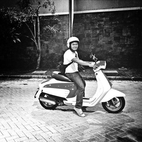 the-prof. Blackandwhite Streetphotography Streetphoto_bw Kumsi