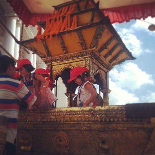 Kumari Ko Raath Ma Bidesi Bacha haruko Photo Session Basantapur